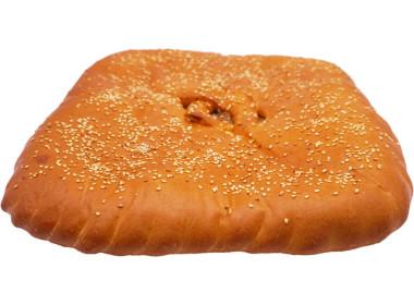 Пирог с мясным фаршем и капустой